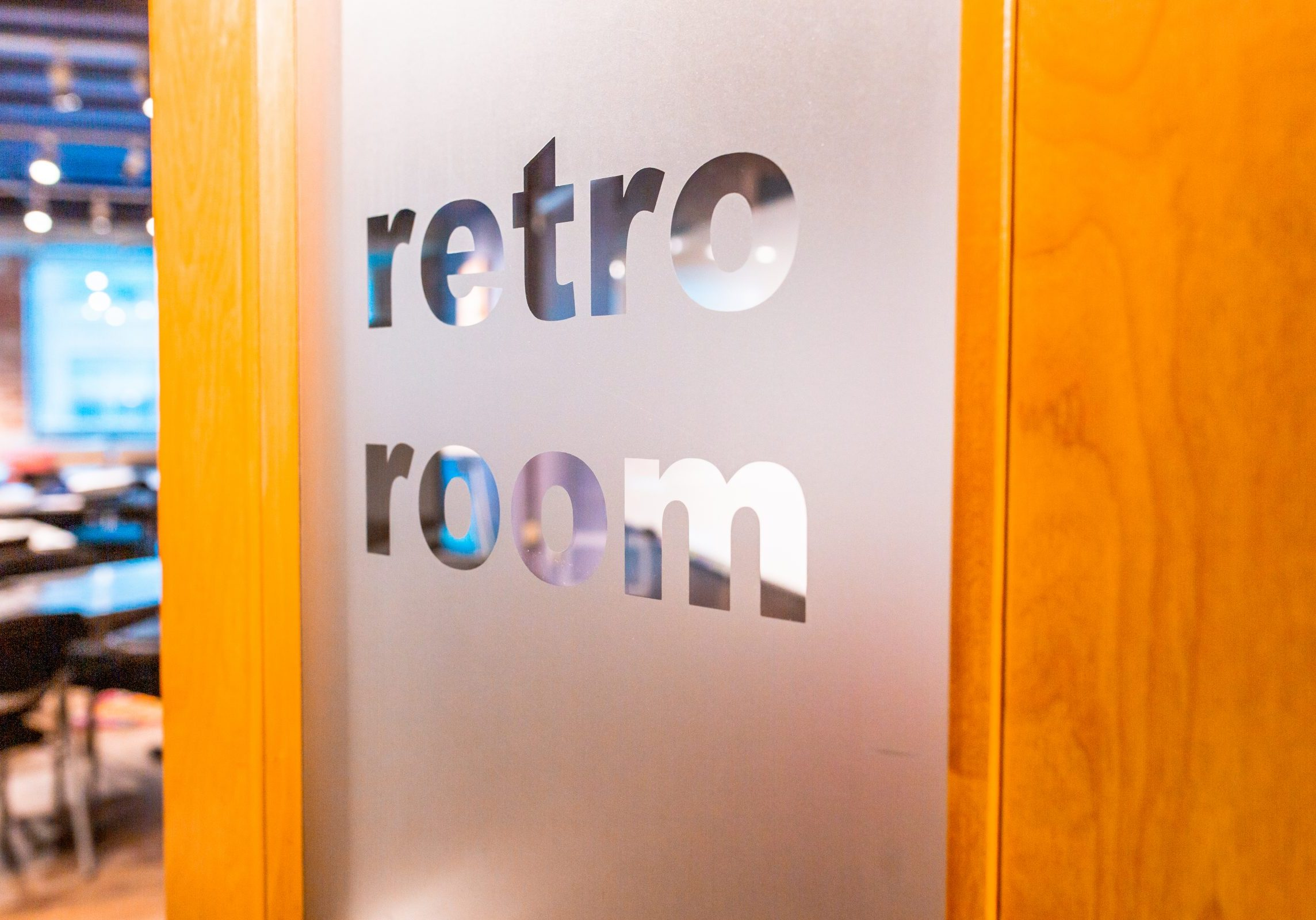 Retro-Room-Detail11